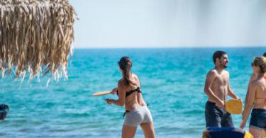 La mer στην παραλία της Καλόγριας