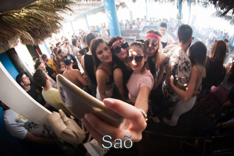 Sao Beach Bar τα έχει όλα